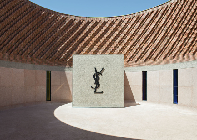 patio_circular_del_musee_yves_saint_laurent_en_marrakech_5238_630x